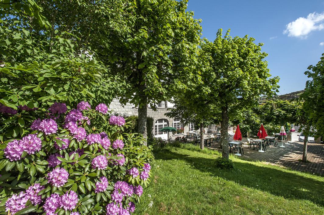 Vue du jardin en Aubrac